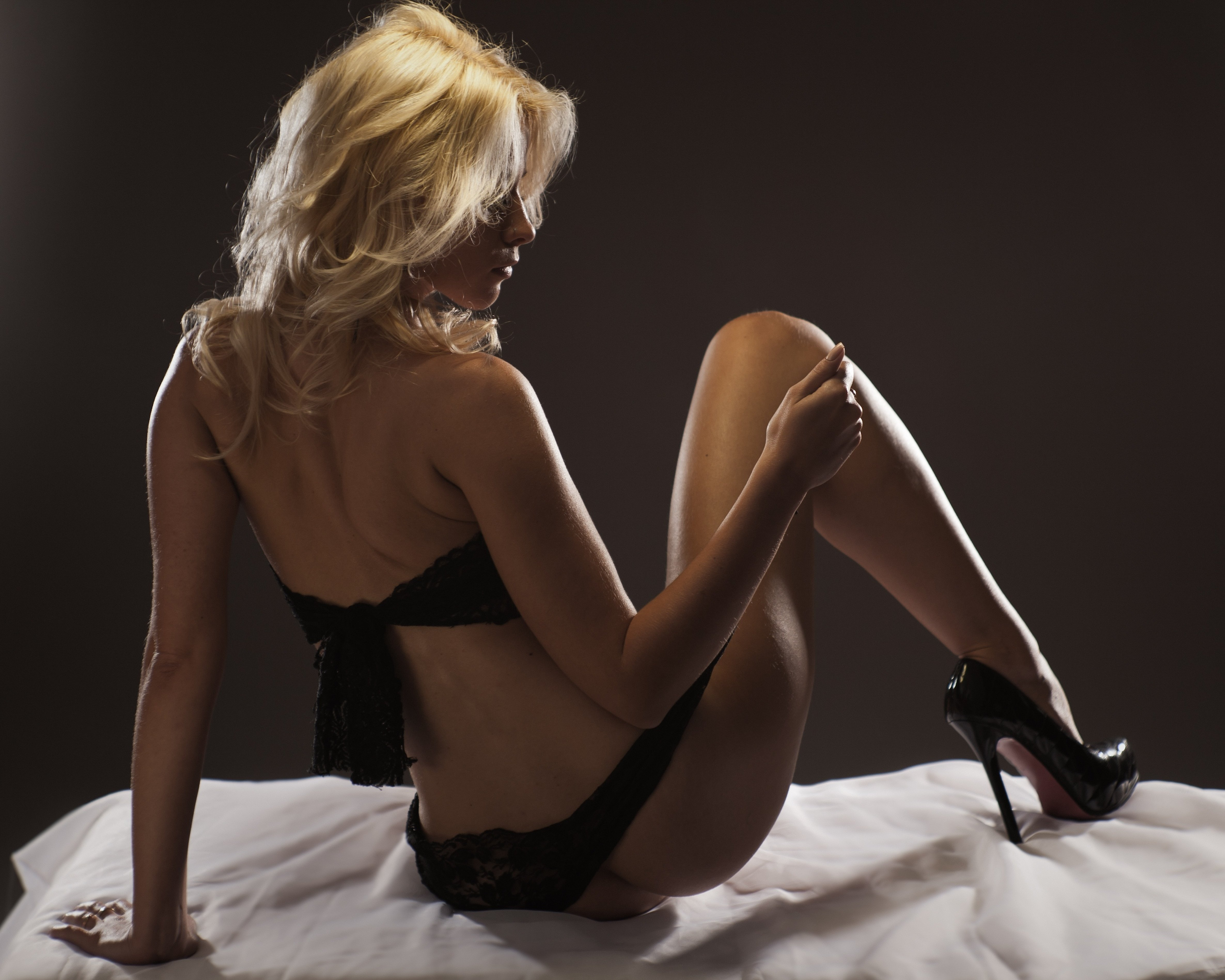 Spend New Year's 2021 Eve with a high-class escort