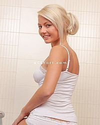 Daisy - Female escort in Nottingham