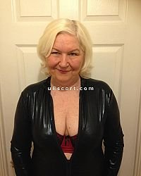 SHANNON - Female escort in Northampton
