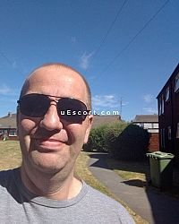 Simon - Male escort in Preston