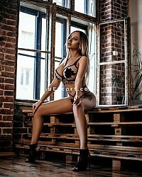 ANGELA - Female escort in London
