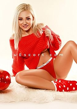Julia Natural Escort girl London