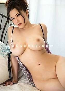 Koniko Escort girl London