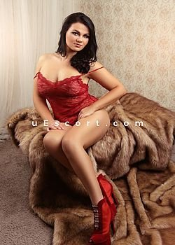 MOLLY Escort girl London