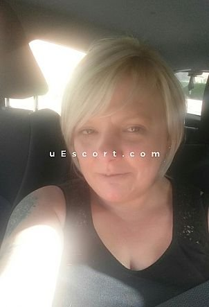 blonderider42 - Girl escort in Andover