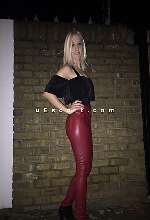Sara - Girl escort in Brighton