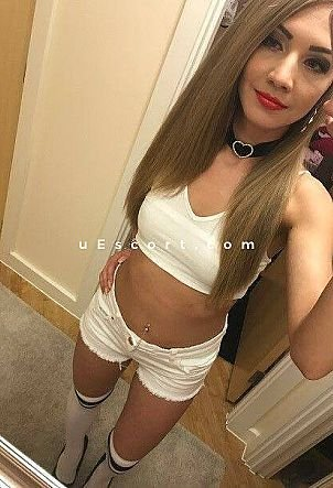 carllaluv - Girl escort in Manchester