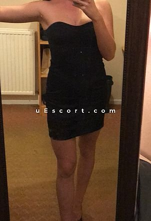 Mia - Girl escort in Oxford