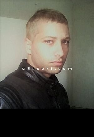 Gab - Male escort in Crawley