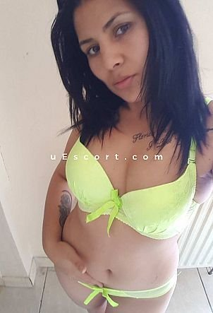 cristina - Girl escort in London