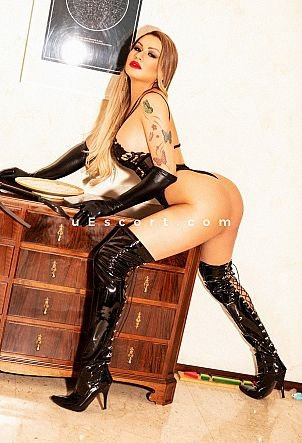 Vick Jenner - Trans escort in Manchester