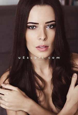 Sofia - Girl escort in London