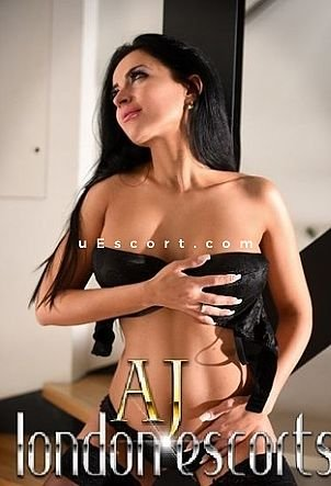 Flory - Girl escort in London
