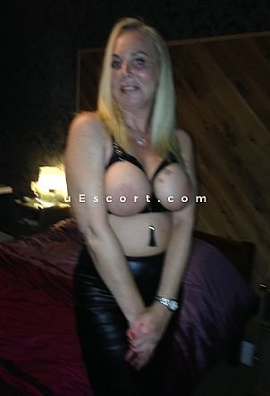 cocksuckingdiane - Girl escort in London