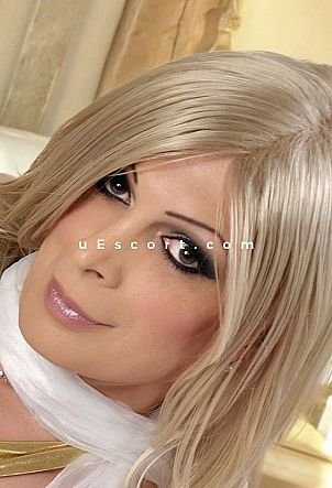 Victoria London - Trans escort in Guildford