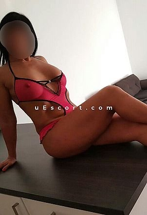 Amy Amazon - Girl escort in London