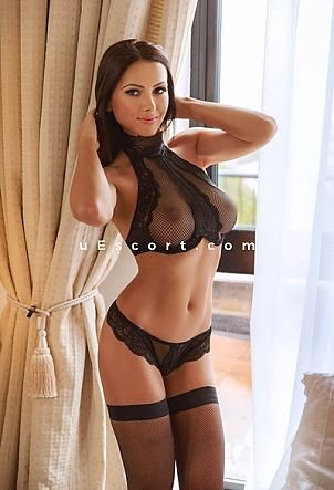Charlenne - Girl escort in London