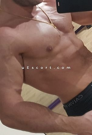 Zdtech - Male escort in Gloucester