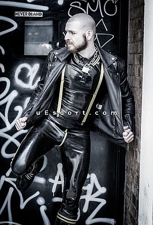 Cronan - Male escort in London