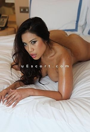 Mayleen - Girl escort in London