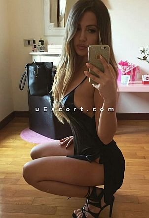 Im Italian mishel - Girl escort in London