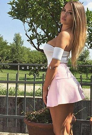 escort girl deplace