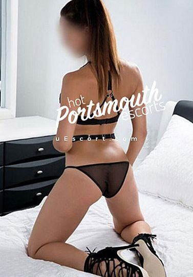 CoCo - Girl escort in Portsmouth