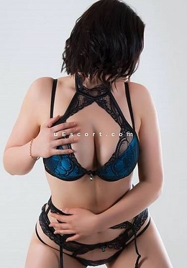 Danielle - Girl escort in Bradford