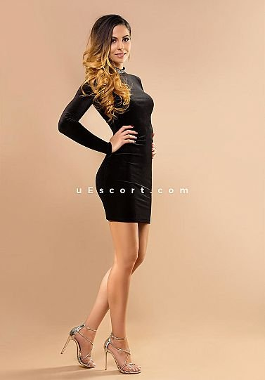Loren - Girl escort in London