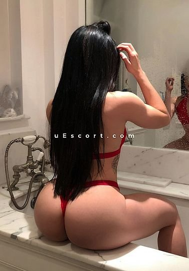 marta - Girl escort in London