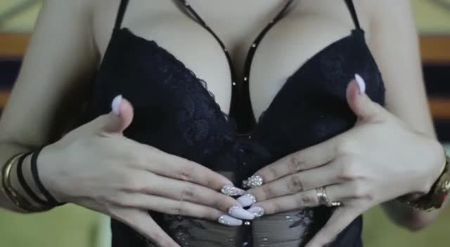 Video escort Girl Mia Marin