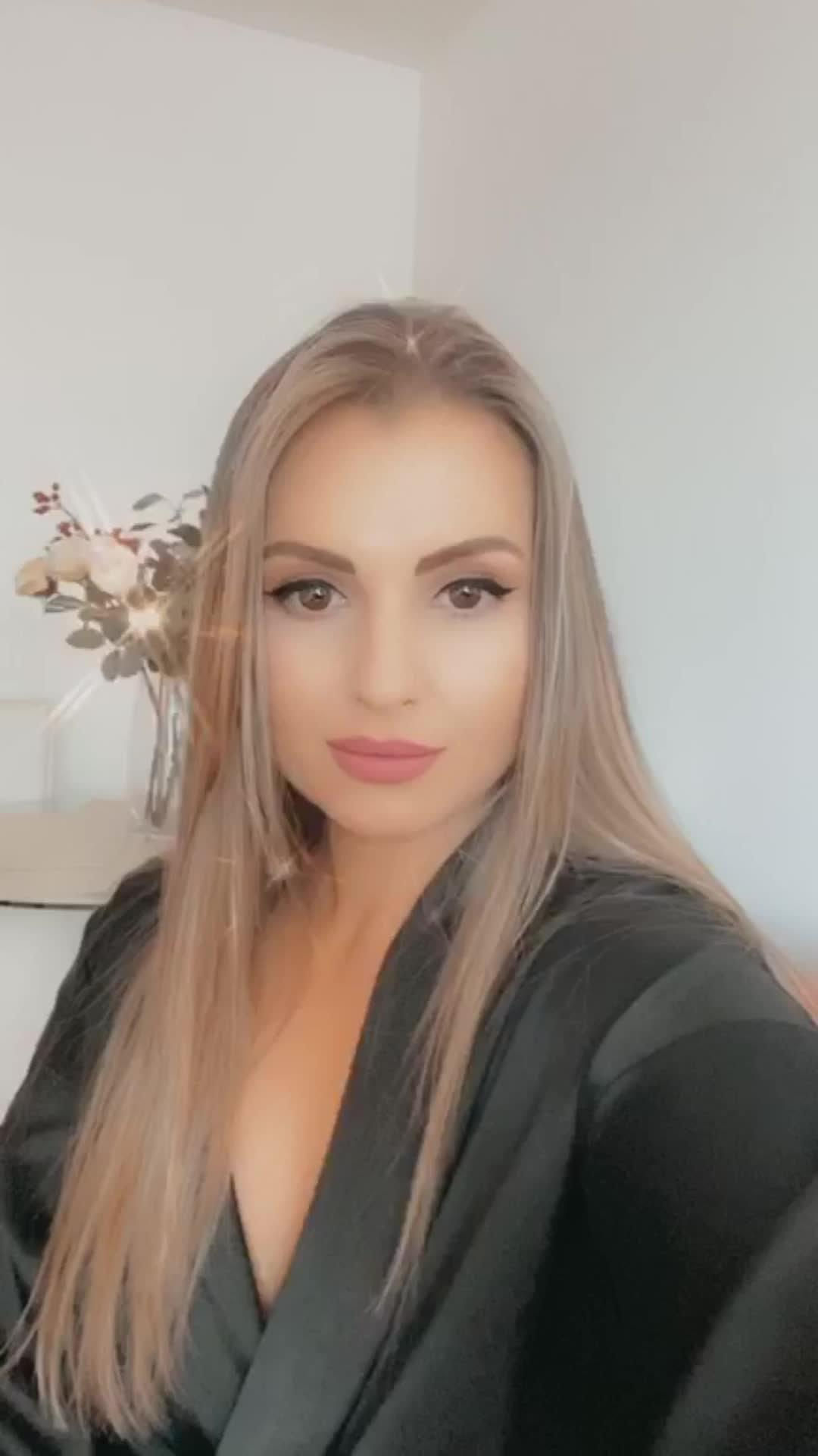 Video escort Escort girl  Mercedes